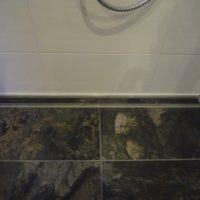 Gefliester Duschbereich
