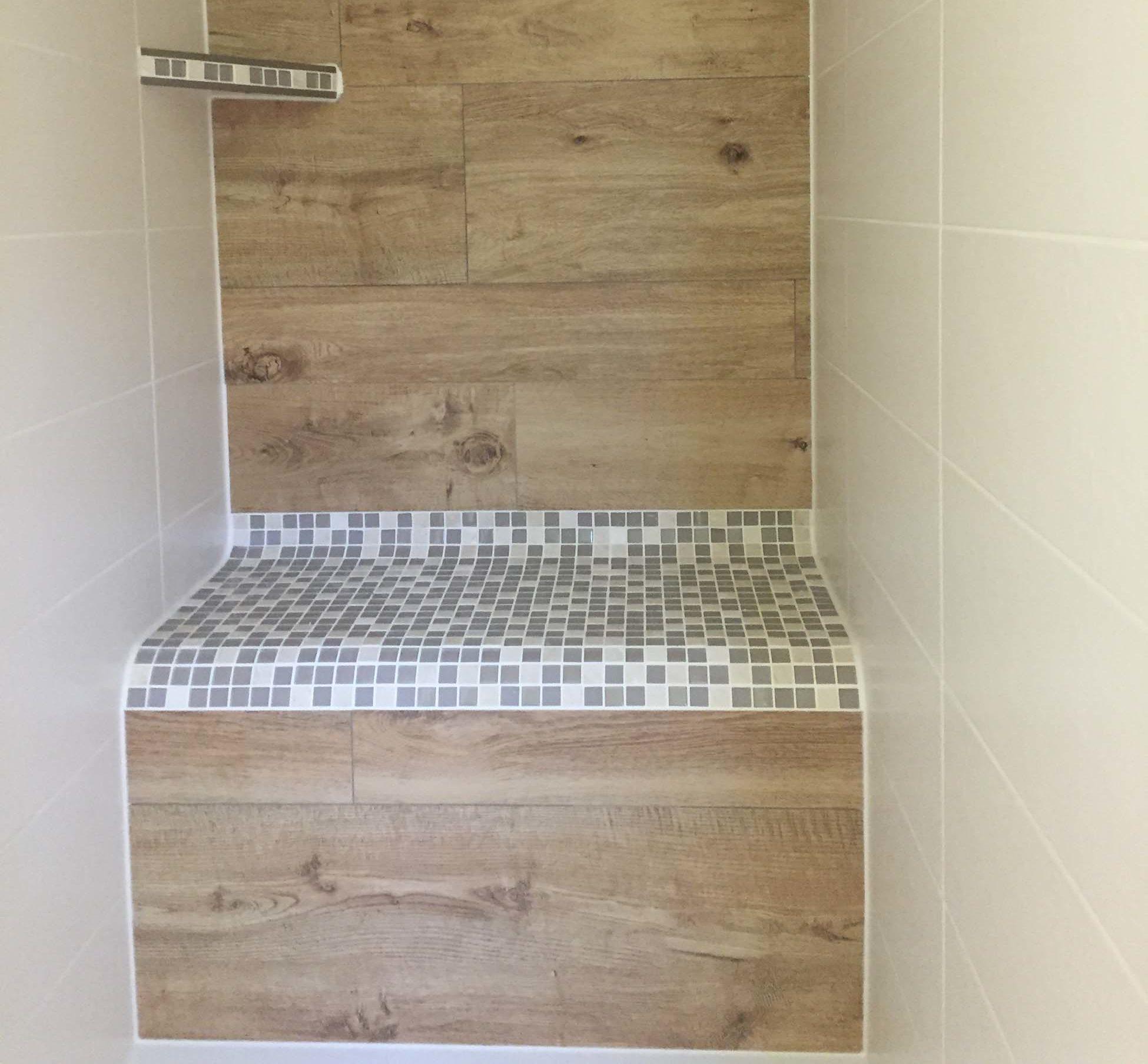 integrierter Duschsitz